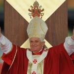 Altri intellettuali continuano a difendere Benedetto XVI
