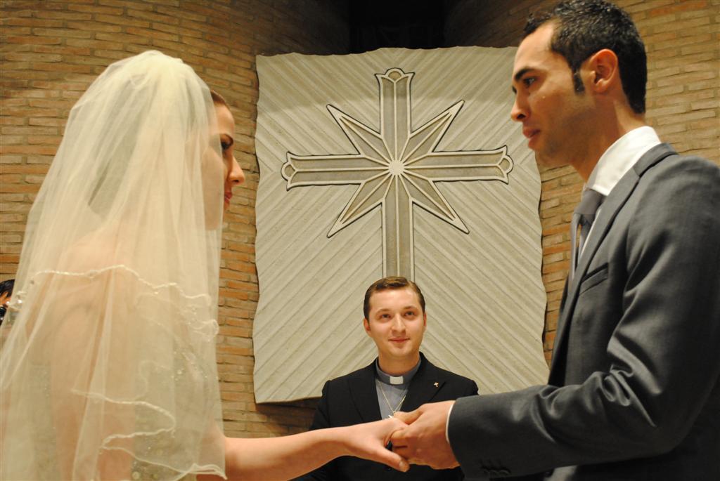 Matrimonio Harry In Chiesa : Nuova ricerca psicologica il matrimonio riduce i