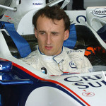Il pilota Robert Kubica ha ricevuto in dono una reliquia di Giovanni Paolo II