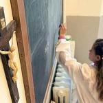 Sconfitto il fondamentalismo ateo: il crocifisso resta nelle scuole!