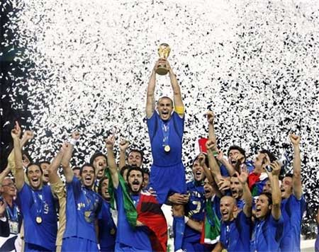 Italia, triunfando de azul