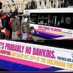 Londra: scritte sugli autobus prendono in giro Richard Dawkins