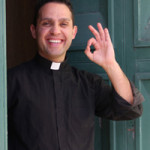 Don Roberto, da tossico lontano da Dio a sacerdote vicino agli ultimi