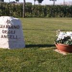 Femministe contro cimitero per feti abortiti, ma le donne si ribellano