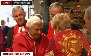 Benedetto XVI incontra donna prete