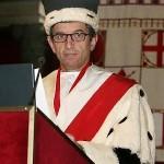 Il rettore Alberto Tesi toglie il crocifisso, ma non è neutralità