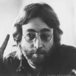 John Lennon il pacifista, ma picchiava il figlio e tradiva la moglie