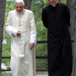 "Da ""casa Ratzinger"" un'altra approvazione a Papa Francesco"