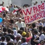 Ecco come Papa Francesco sta risvegliando la fede di molti