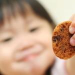 I bambini religiosi sono meno generosi? Analisi critica di uno studio inaffidabile