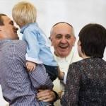 Unioni civili, l'intervento di Papa Francesco: «non confonderle con la famiglia»