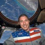 Michael Hopkins, l'astronauta che ha portato il Santissimo Sacramento nello spazio