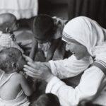 Le inesistenti ombre su Madre Teresa, nuovo dossier UCCR