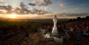 """Medjugorje una truffa? Per ora è """"luce nel mondo"""", lo dice l'inviato del Papa"""