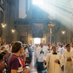 Going to Mass also benefits mental health: a new study