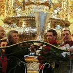 L'Atletico Madrid dona la coppa UEFA alla Vergine Maria