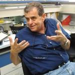 Nobel per chimica Ciechanover: «Dio dovrà sempre aprire le sue braccia su di noi»