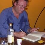 Christopher Hitchens: «sono alcolizzato per sopportare la noia della vita»