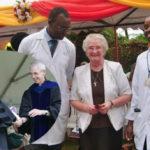 Premiata suora cattolica per aver sconfitto l'AIDS in Uganda (senza condom)