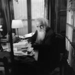 Il filosofo Gaston Bachelard contro l'illusione del riduzionismo scientista