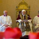 Benedetto XVI lascia il pontificato: commozione e gratitudine