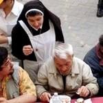 La carità silenziosa della Chiesa cattolica