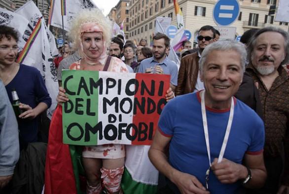 Omofobia italia