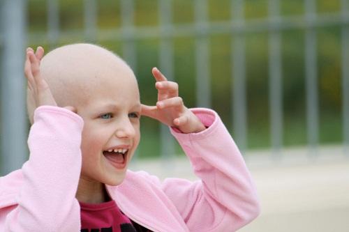 Bambina cancro