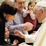 Papa Francesco: «tutelare le convivenze è contro la famiglia»