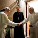 Il segretario di Ratzinger: «chi dubita di Papa Francesco ha poco senso della Chiesa»