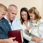 La vita religiosa ha un impatto positivo anche sul benessere della famiglia