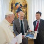 Papa Francesco: «non possiamo accogliere i migranti in modo irrazionale»