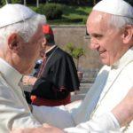 Anche sull'Islam, perfetta continuità tra Benedetto XVI e Francesco