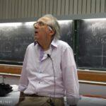 Il bellissimo saluto di fine corso universitario di questo docente di matematica