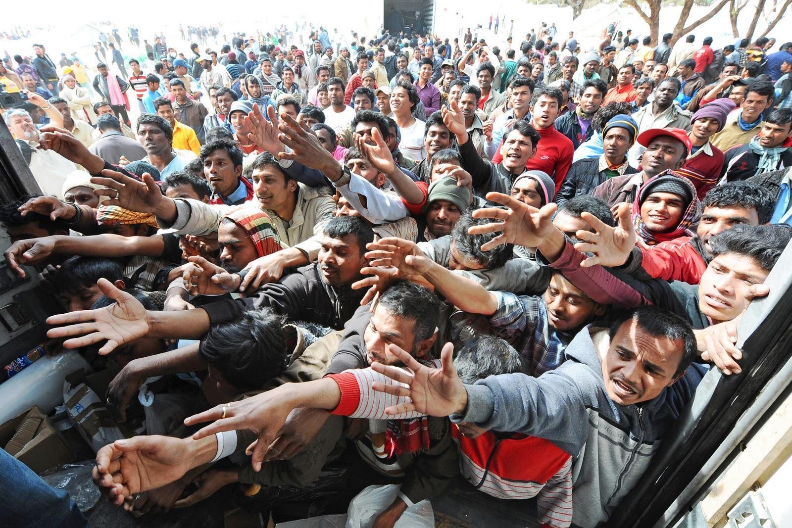 Immigranti e papa Francesco, nessun buonismo o accoglienza selvaggia.
