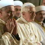 Papa Ratzinger disse: «L'Islam contiene elementi di pace», ma nessuno si scandalizzò
