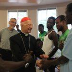 """""""Migranti? I preti li portino a casa loro!"""". Già lo fanno, accolti dal 60% delle diocesi"""