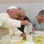 Bergoglio, pauperismo o povertà cristiana? Tutti i discorsi di Francesco.