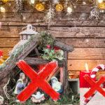 Una scuola vieta tutto: Gesù, l'albero, i canti, Babbo Natale, il rosso e i bastoncini di zucchero