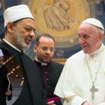 """«Poligamia? Ingiustizia per le donne». L'imam """"convertito"""" da Bergoglio"""